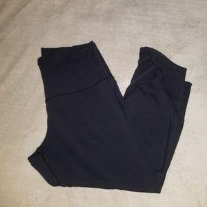Womens Lululemon Size 10.